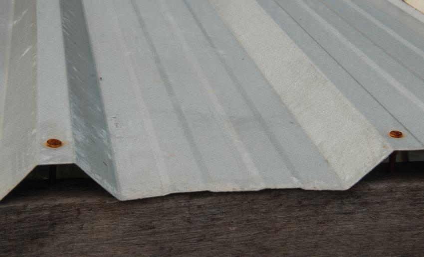 Metal roofing with rusty screws